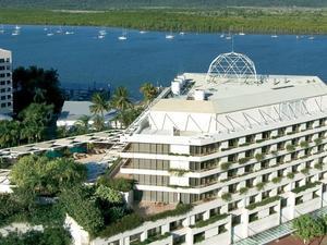 凱恩斯礁灘鉑爾曼酒店賭場(Pullman Reef Hotel Casino)