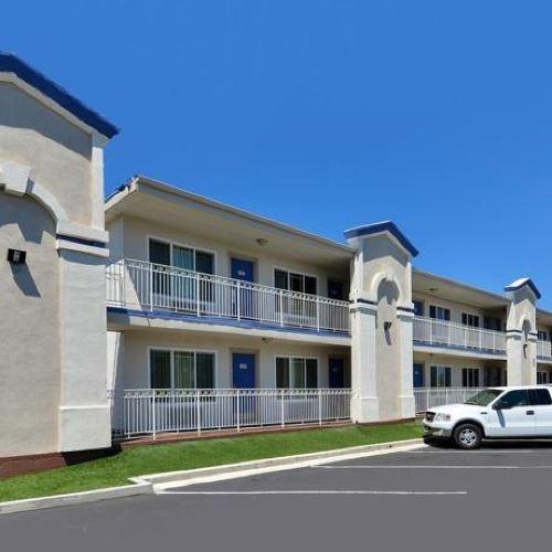 Motel 6-Vista, CA
