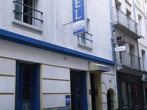 雷諾瓦酒店(Hôtel Renova)