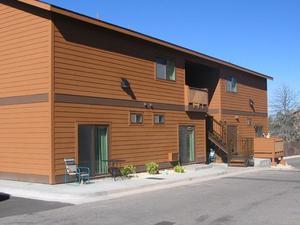 峽谷廣場尊貴一室公寓和普通公寓酒店(Canyon Plaza Premier Studio and Apartments)