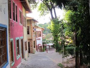 維拉日卡斯納日爾姆套房酒店(Vila Rica Suites Cenarium)