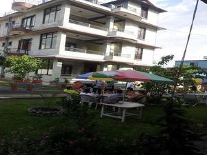 新安納普爾納旅館(New Annapurna Guest House)