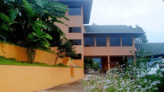Pong Yang Farm and Resort