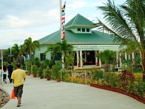 卡瑪彥海灘酒店(Camayan Beach Resort Hotel)