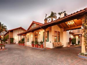 胡椒樹貝斯特韋斯特優質酒店(BEST WESTERN PLUS Pepper Tree Inn)
