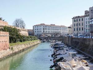 Two-Bedroom Apartment Livorno -LI- 0 09