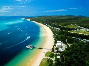 天閣露瑪島度假村(Tangalooma Island Resort)
