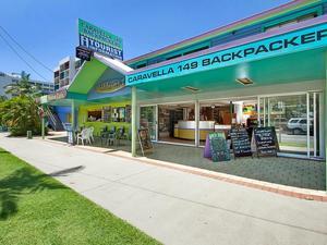 卡拉維拉凱恩斯市海濱背包客酒店(Caravella Backpackers Cairns City Waterfront)