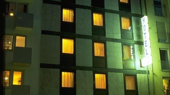 蒙赫爾酒店