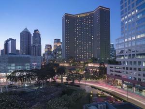 麥卡蒂香格里拉大馬尼拉酒店(Makati Shangri-La Manila Hotel)
