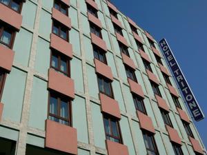 三色調酒店(Hotel Tritone)