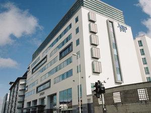 普利茅斯朱瑞斯旅館(Jurys Inn Plymouth)