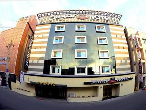 糖果酒店(Sugar Hotel)