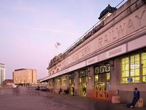 加迪福斯利普斯酒店(Sleeperz Hotel Cardiff)