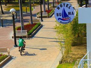 布馬蘇比克酒店和餐廳(Buma Subic Hotel and Restaurant)