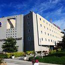 芒代利厄西戛納凱瑞德酒店(Kyriad Cannes Ouest - Mandelieu)