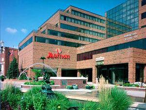 東蘭辛大學廣場萬豪酒店(Marriott East Lansing at University Place)