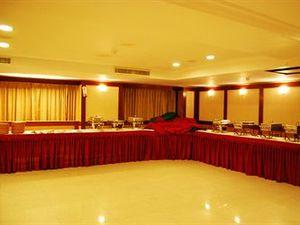 普里亞達詩尼公園酒店(Priyadarshini Park)