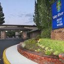 山谷河流旅館(Valley River Inn)