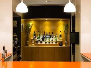 法魯阿爾加維宜必思酒店(Hotel ibis Faro Algarve)
