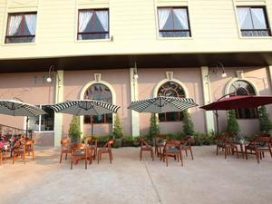蓬提廣場酒店(Phonethip Plaza Hotel)