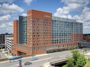 哥倫布市中心希爾頓酒店(Hilton Columbus Downtown)