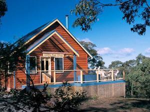 洛恩布什樓及平房生態療養度假村(Lorne Bush House Cottage & Eco Retreats)