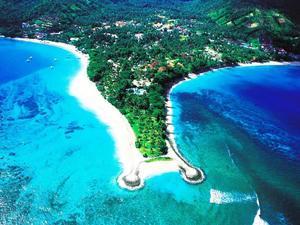 龍目島泳池俱樂部別墅(Pool Villa Club Lombok)