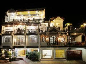科隆班庫昂大廈酒店(Coron Bancuang Mansion)