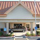 得梅因機場華美達酒店(Ramada Des Moines Airport)