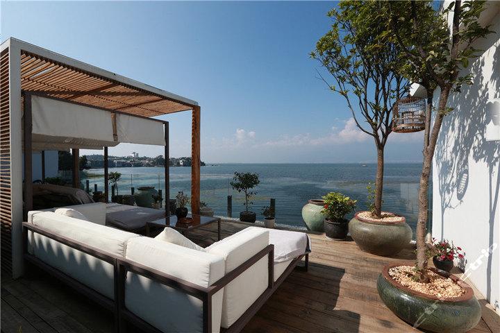大理双廊水明漾酒店—二楼巴厘岛风情阳台