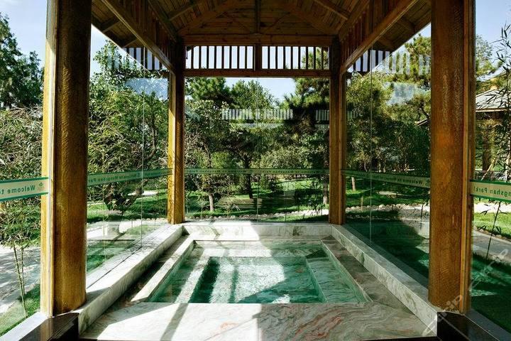 北京蟒山森林公园四合院-温泉大床房(会员特