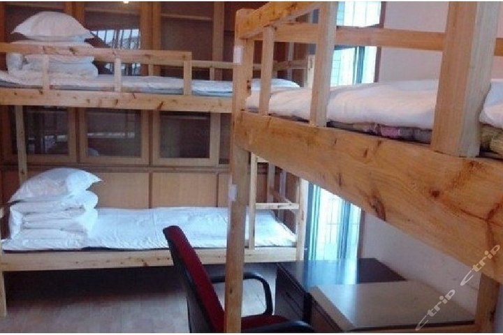 成都聚友大学生求职公寓-男生6人间(床位)图片
