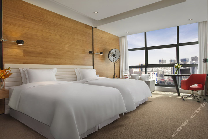 青岛证大喜玛拉雅酒店-高级豪华双床房[含早]