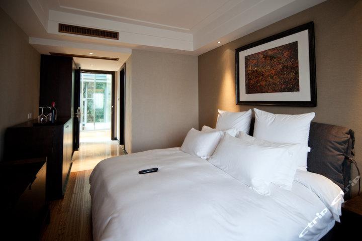 杭州凤凰山庄艺术酒店 标准大床房 杭州酒店团购