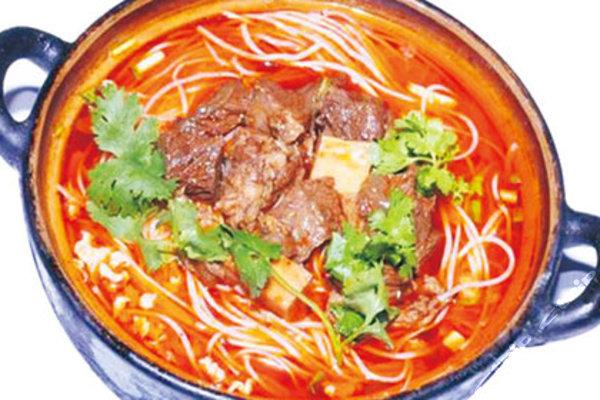 砂锅米线高清图片