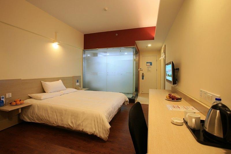 汉庭酒店(杭州钱江市场店)-高级大床房(预付)