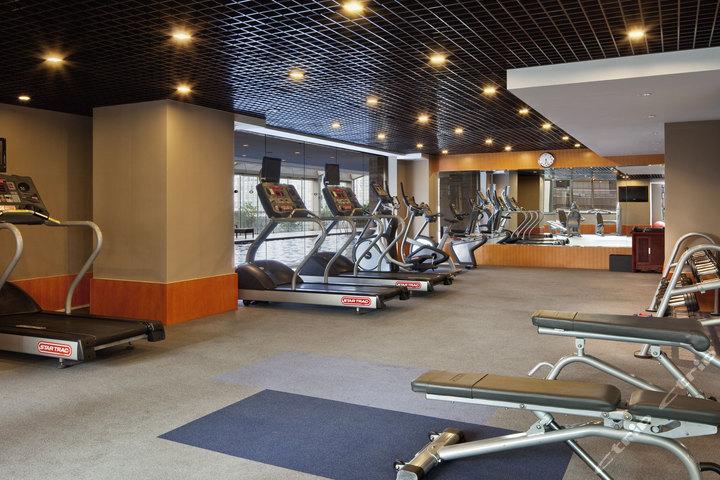 上海世纪皇冠假日酒店—健身中心