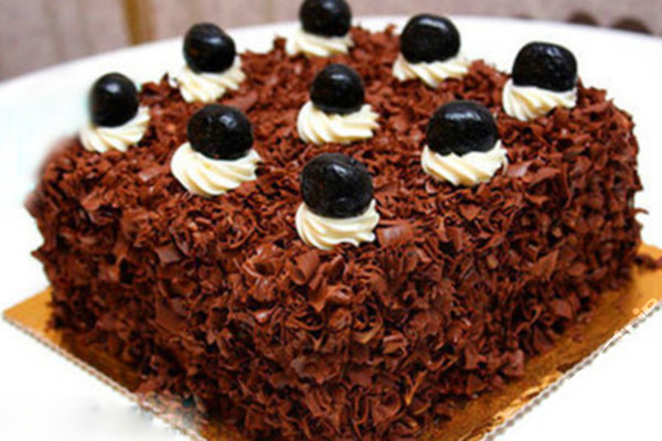 8英寸黑森林慕斯蛋糕1个,免费包装,需到店自提,让甜蜜