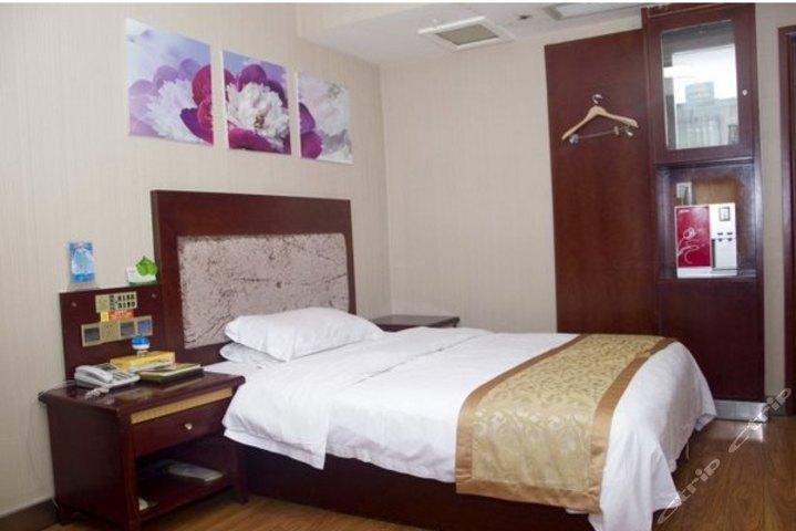 汉驿连锁酒店(鄂州凤凰路店)(风尚大床房