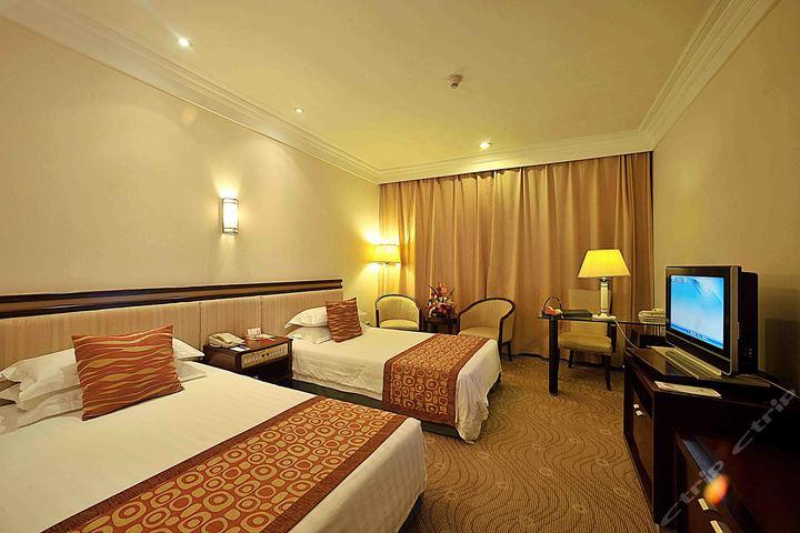 泰州春兰商务酒店(标准双人间/家庭房)