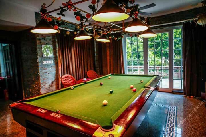 欧式家庭台球室