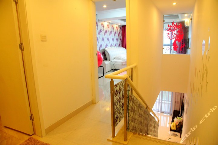 广州8天酒店式情趣-公寓套房一房一厅复式水房(预付)学生情趣妹尤果图片