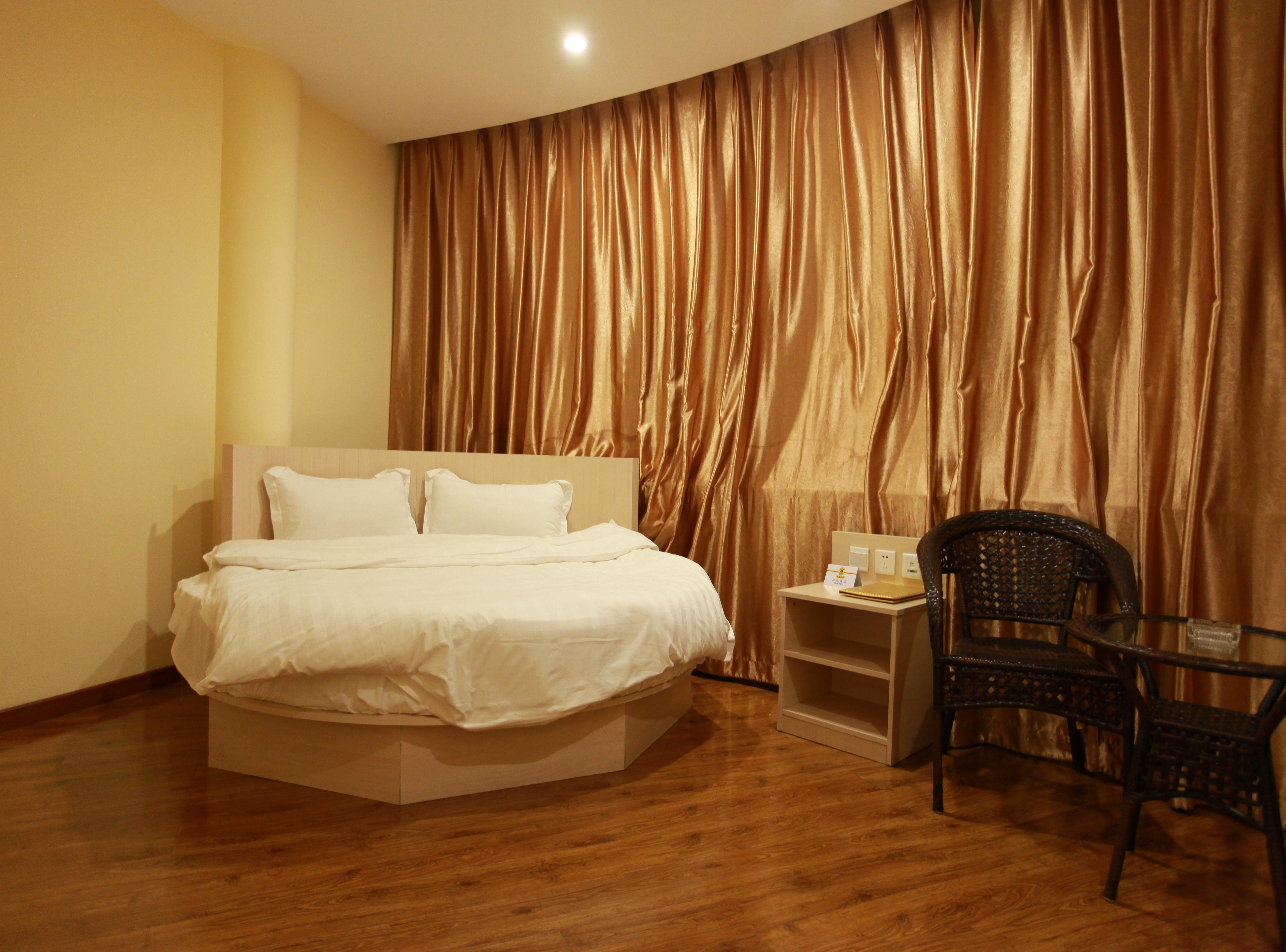 速8酒店(北京怀柔影视城店)-高级大床房
