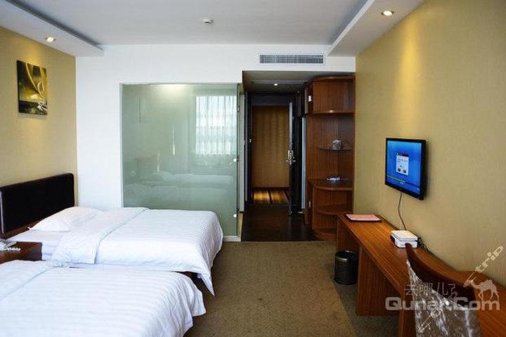 速8酒店上海野生动物园沪南公路