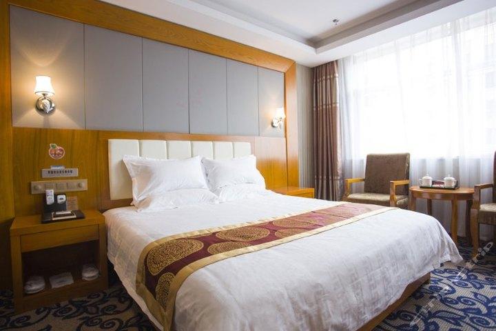 石河子华瑞商务酒店(豪华大床房)