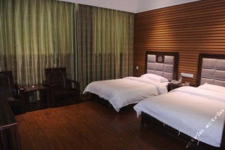 梧州中鼎商务酒店