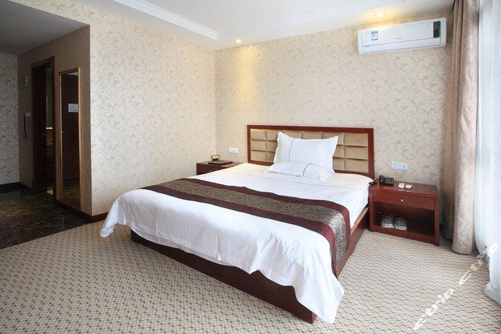 世廷花园酒店(苏州昆山花桥绿地大道店)高级大床房