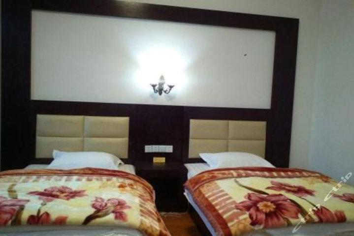 芒康红拉山商务酒店