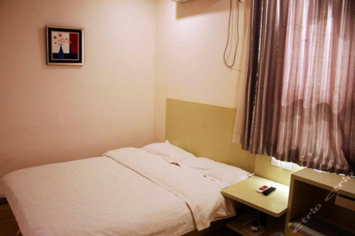 速8酒店锦州火车站和平路店